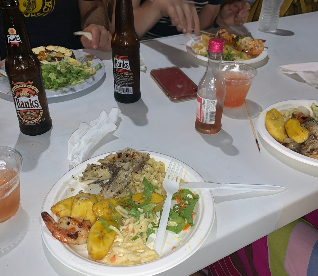 Food and drinks at Oistens Friday Night Fish Fry